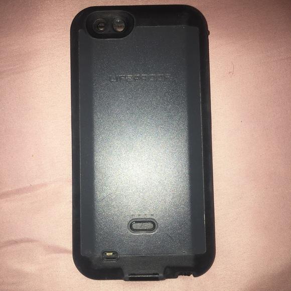 separation shoes e73e6 de959 Charging Lifeproof IPhone 6S plus case!